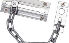 Door: Standard door chain