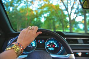 driving-918950_1920