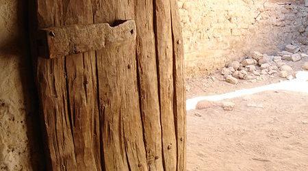 450px Old door dakhla egypt
