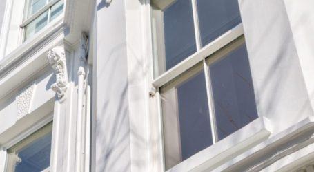 Sash horns on an Edwardian window